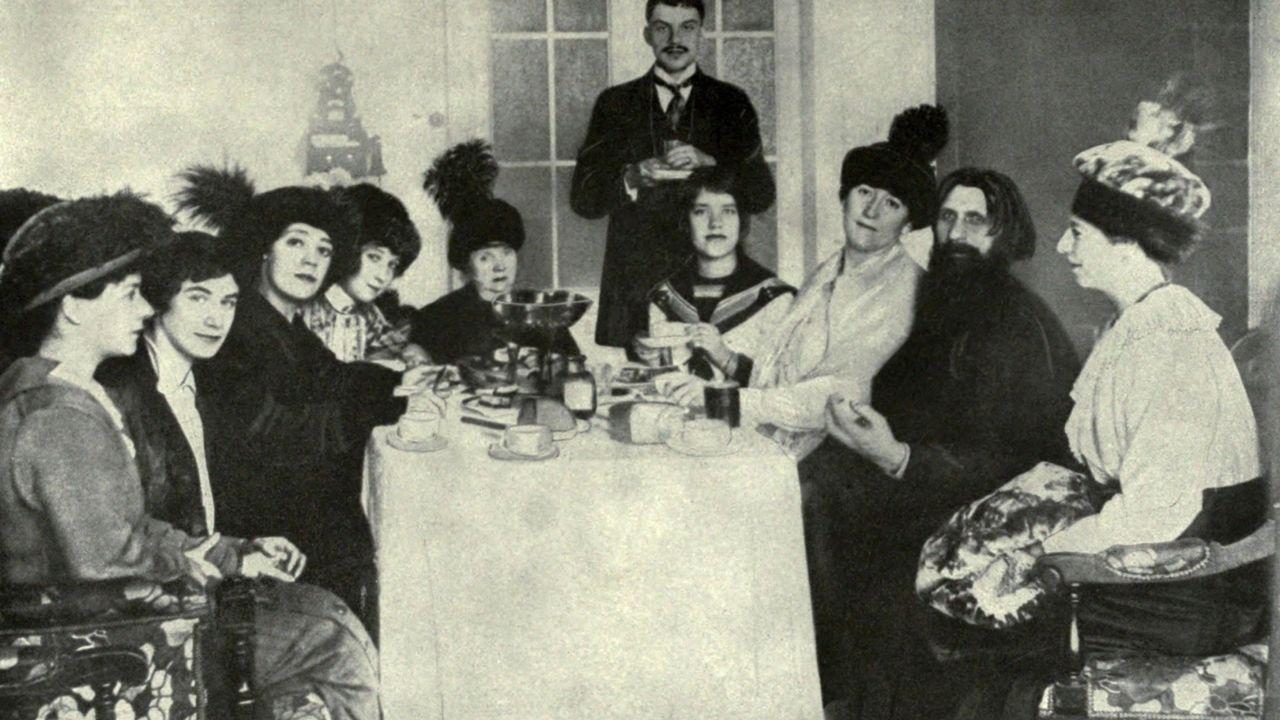 Rasputin con la nobleza rusa
